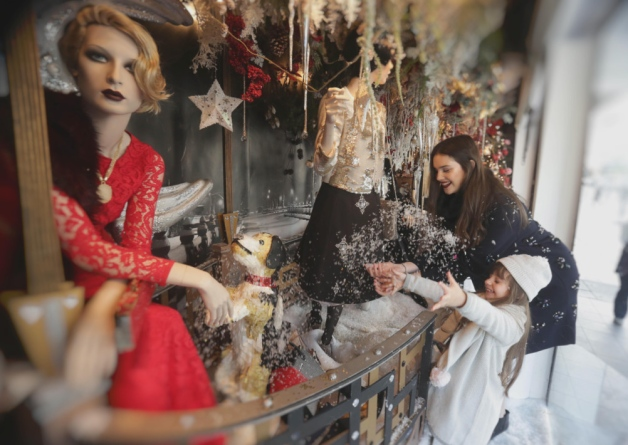 Limerick retailers put Christmas in the shop window